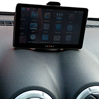 Mounting navigator on top of the dashboard